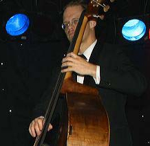 Julian Bury (upright bass)