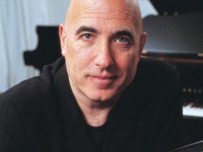 Mike Garson (piano)